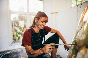 come ritrovare se stessi ragazza che dipinge