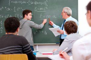 differenza tra liceo e universita professore