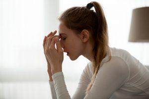 Come gestire ansia pre sessione esame ragazza